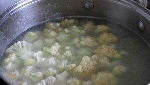 Суп из белой фасоли с курицей и цветной капустой - 0
