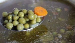 Экспресс-суп из консервированной печени с горошком - 2