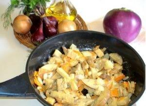 Домашний суп-лапша в горшочках с овощами на грибном бульоне - 1