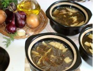 Домашний суп-лапша в горшочках с овощами на грибном бульоне - 2