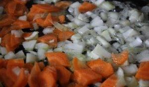 Суп с горошком и манкой на курином бульоне - 1