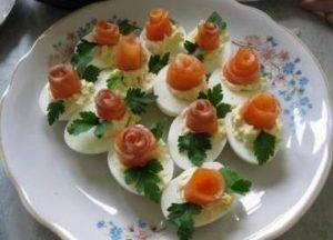 Яйца, фаршированные семгой - 7