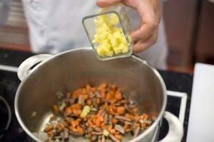 Суп с фасолью и колбасой - 0