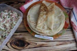 Блины, фаршированные отварным рисом с колбасой - 3