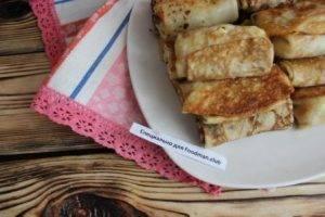 Блины, фаршированные отварным рисом с колбасой - 6