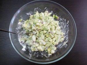 Салат из авокадо со свежим огурцом - 1