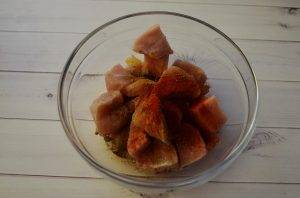 Запеченная куриная грудка с овощами - 0