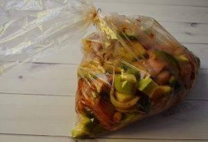 Запеченная куриная грудка с овощами - 2