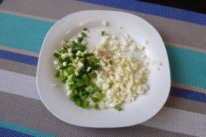 Шпинатные блины с припеком из яйца и зеленого лука - 2
