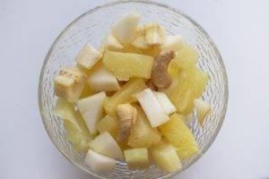 Банановый десерт с орехами и гранатом - 1