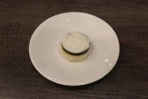 Канапе с колбасой и сливочным сыром - 1