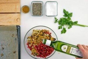 Салат из печеной цветной капусты и фундука - 2