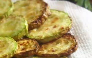 Салат с жареными кабачками - 1