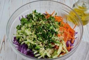 Очищающий салат из краснокочанной капусты - 2