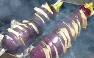 Баклажаны с салом на мангале - 2
