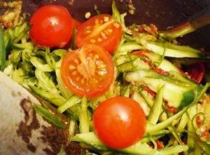 Острый огуречный салат - 2