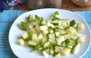 Салат из пекинской капусты с фасолью и яйцами - 1