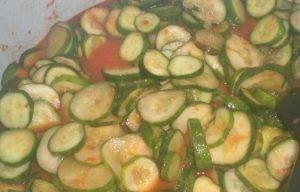Огурцы в томатной заливке - 2