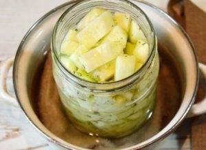 Салат из кабачков на зиму с чесноком - 2