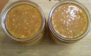 Аджика из помидоров и чеснока - 2