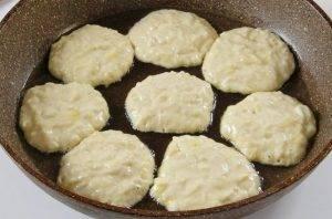 Оладьи из кабачков на молоке - 3