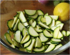 Салат с кабачками и курицей - 0