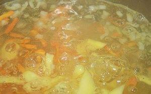 Гороховый суп с тушенкой - 1
