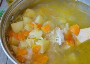 Суп с квашеной капустой и курицей - 2