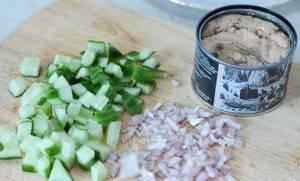 Салат из фасоли с горбушей - 0