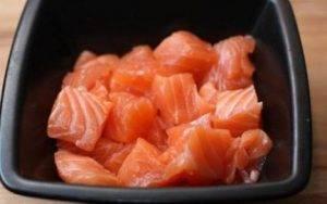 Салат со шпинатом и лососем - 0