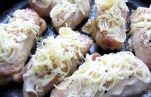 Рулеты из свинины с ананасами и сыром - 3