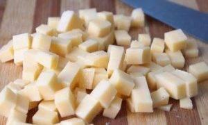 Диетический салат с гранатом и сыром - 1