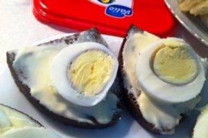 Канапе со шпротами и яйцом - 1