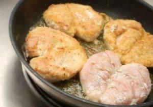Куриная грудка в грибном соусе - 1