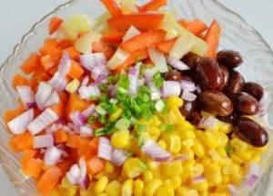 Салат с фасолью и кукурузой - 2