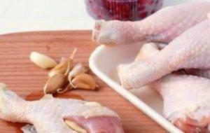 Куриные голени в клюквенно-медовом соусе - 0