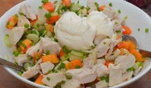 Куриный салат с виноградом - 2