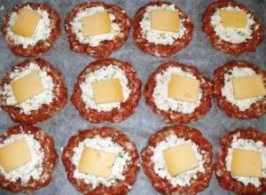 Мясные ватрушки с сыром - 1