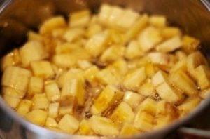 Банановые бурфи с орехами, курагой и изюмом - 1