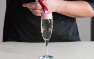Коктейль «Шампанское с ягодной пеной» - 1