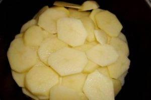 Говядина с картофелем в мультиварке - 2