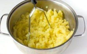 Сосиски с картофельным пюре в вафлях - 0