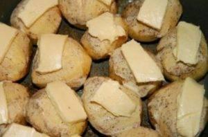 Картофель печёный по-шведски в мультиварке - 1
