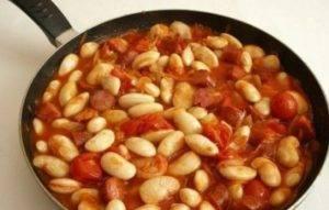 Фасоль в томатном соусе с охотничьими колбасками - 2