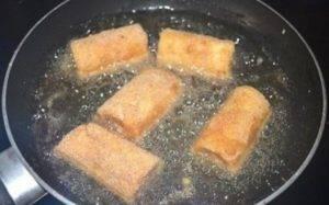 Жареные рулеты из хлеба - 3