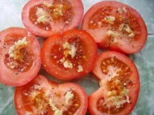 Жареные помидоры с сыром и чесноком - 0