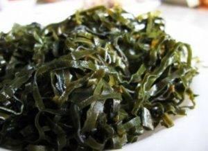 Салат с морской капустой и огурцом - 2