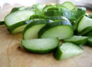 Салат с морской капустой и огурцом - 1