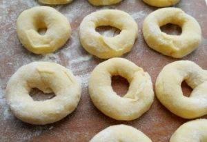 Пончики из плавленого сыра - 1
