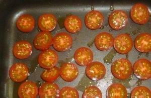 Тосты с авокадо и печеными томатами - 0